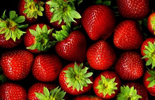 Piros gyümölcsök