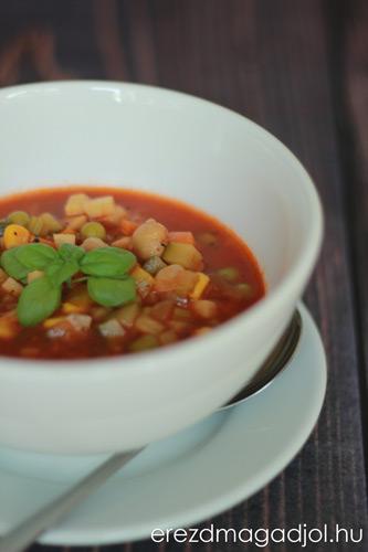 minestrone-paradicsom-leves