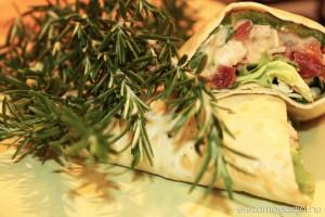 csirkesalatas-wrap