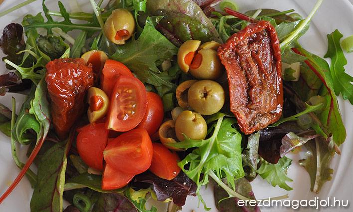 Egyszerű saláta – köret ebédre vagy vacsorára