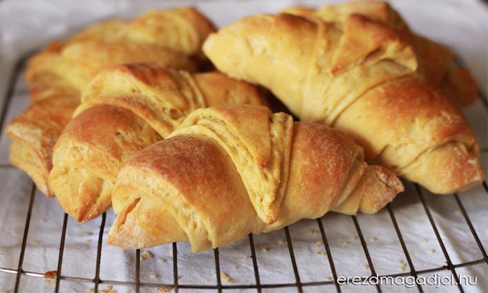 Egészséges Croissant – szénhidrát csökkentett péksüti házilag