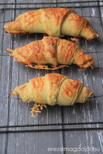 croissant-sajtos